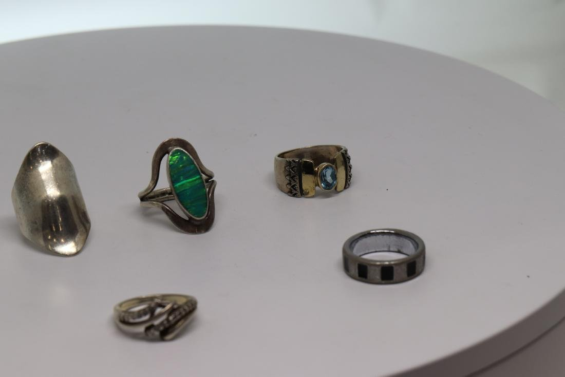6 assorted design rings - 2
