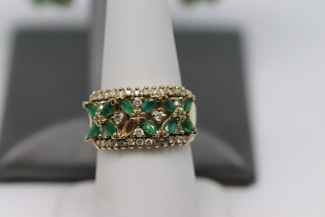 14Kt Diamond & Emerald Ring and Earrings - 3