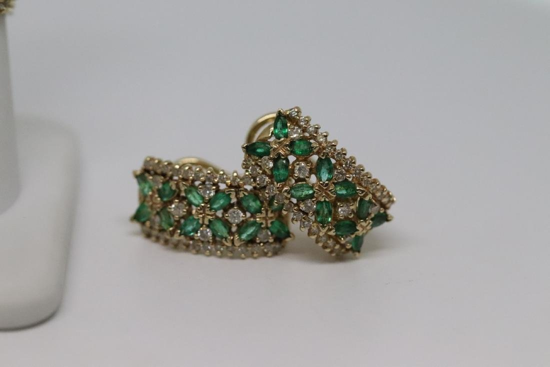 14Kt Diamond & Emerald Ring and Earrings - 6