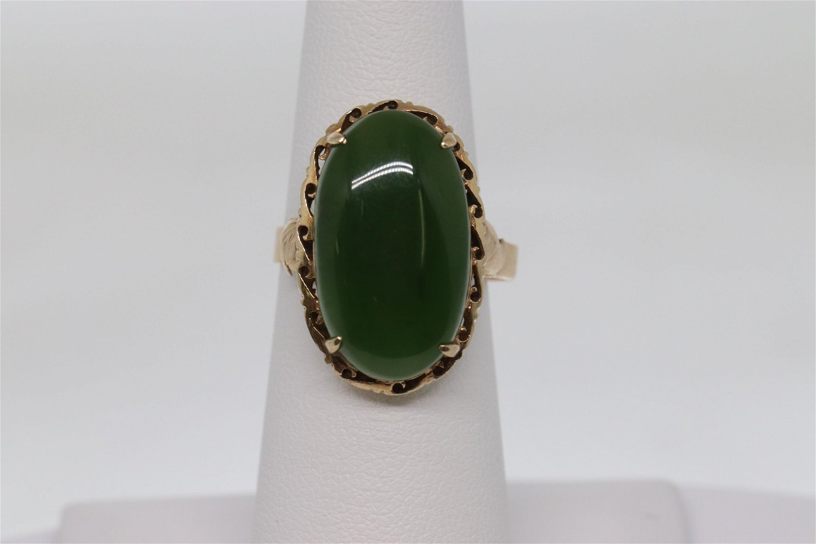 Vintage Art Deco 14k Jade Ring.