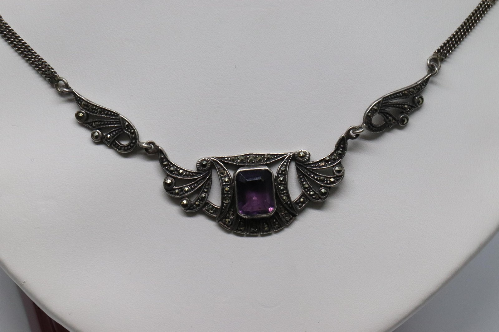 Ladies Art Deco Silver Necklace.