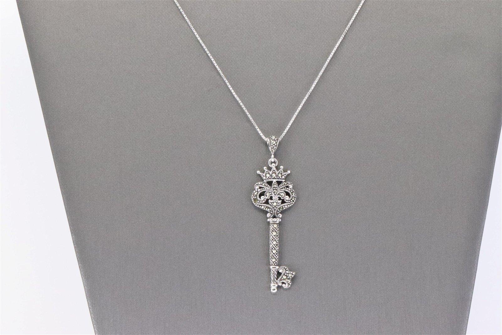 925 Silver Ladies Key Necklace.
