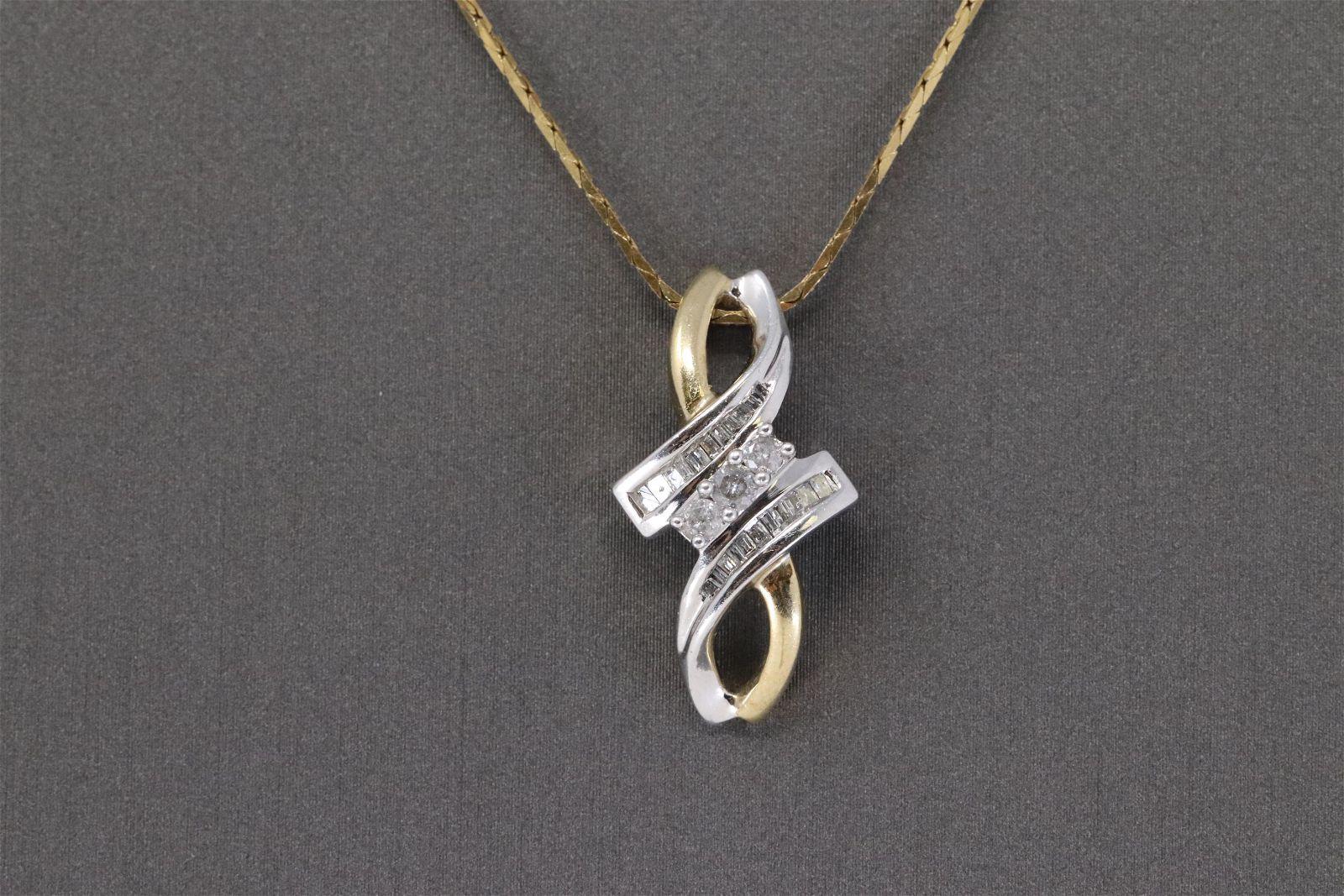 14 kt Ladies Diamond Necklace.