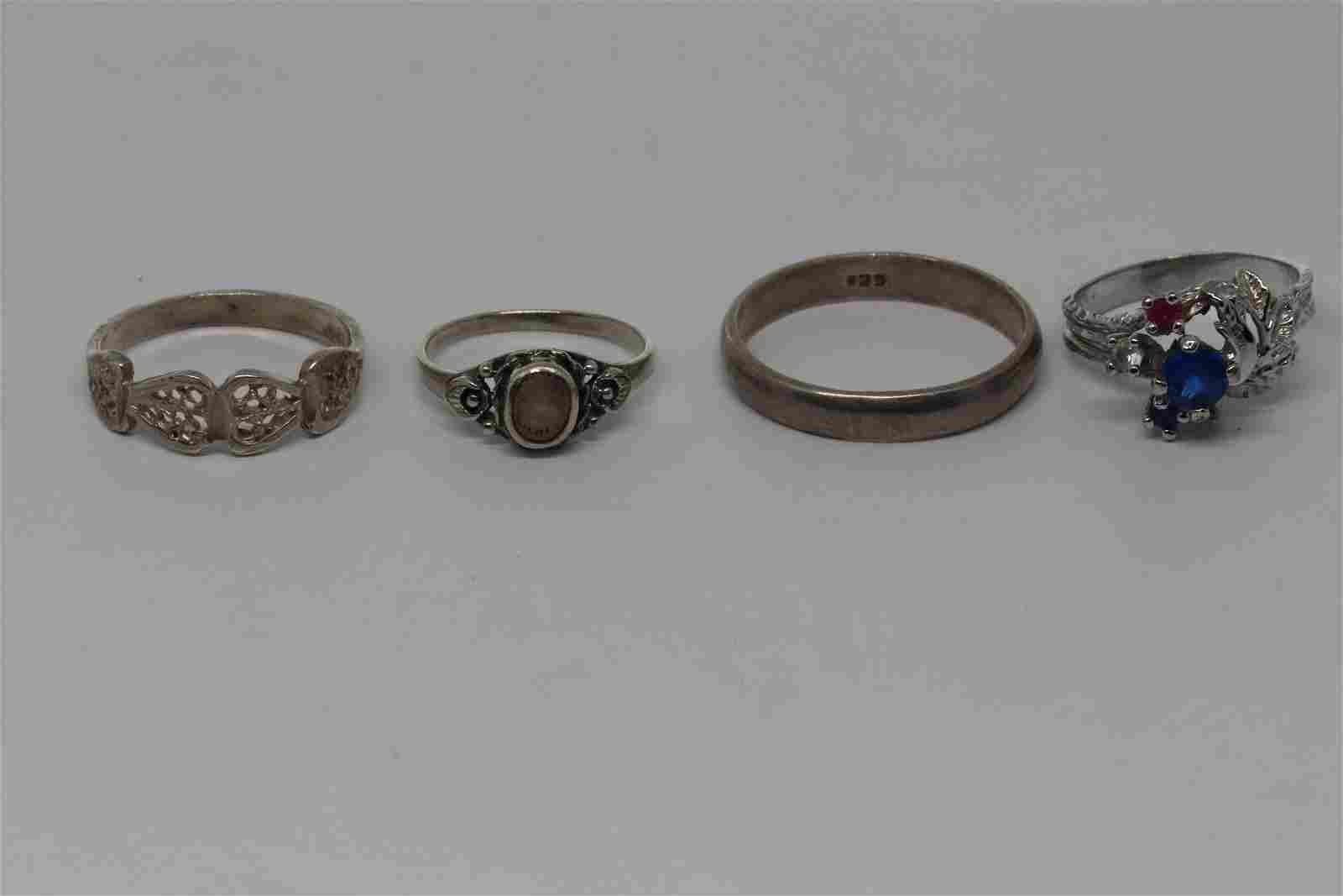 Lot Of 4 Ladies 925 silver rings