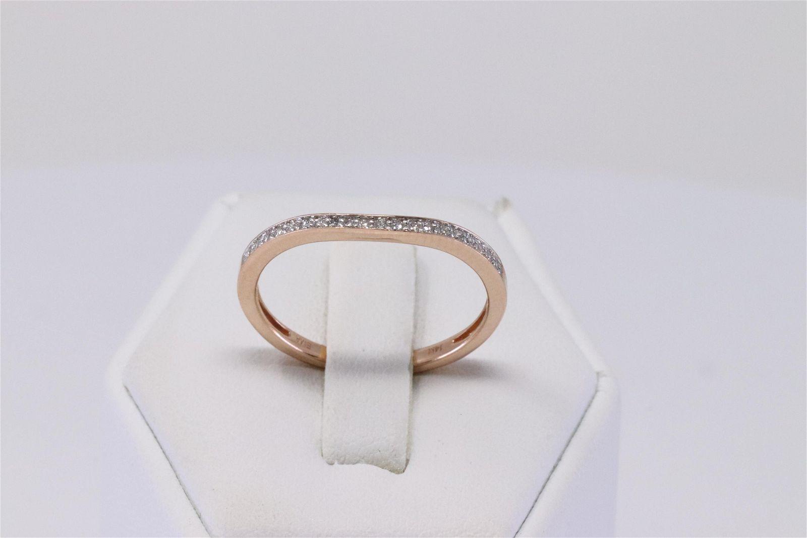 14Kt Rose Gold Diamond Ring.