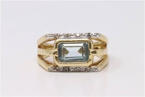 14Kt Vintage Diamonds / Aquamarine Ring