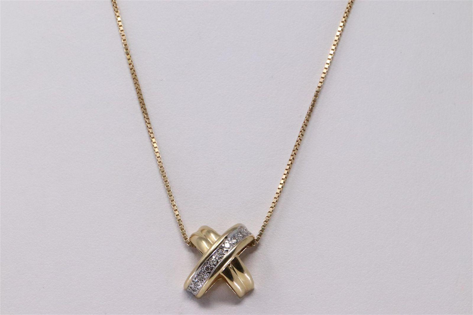 14Kt Yellow Gold Diamond Pendant Necklace.