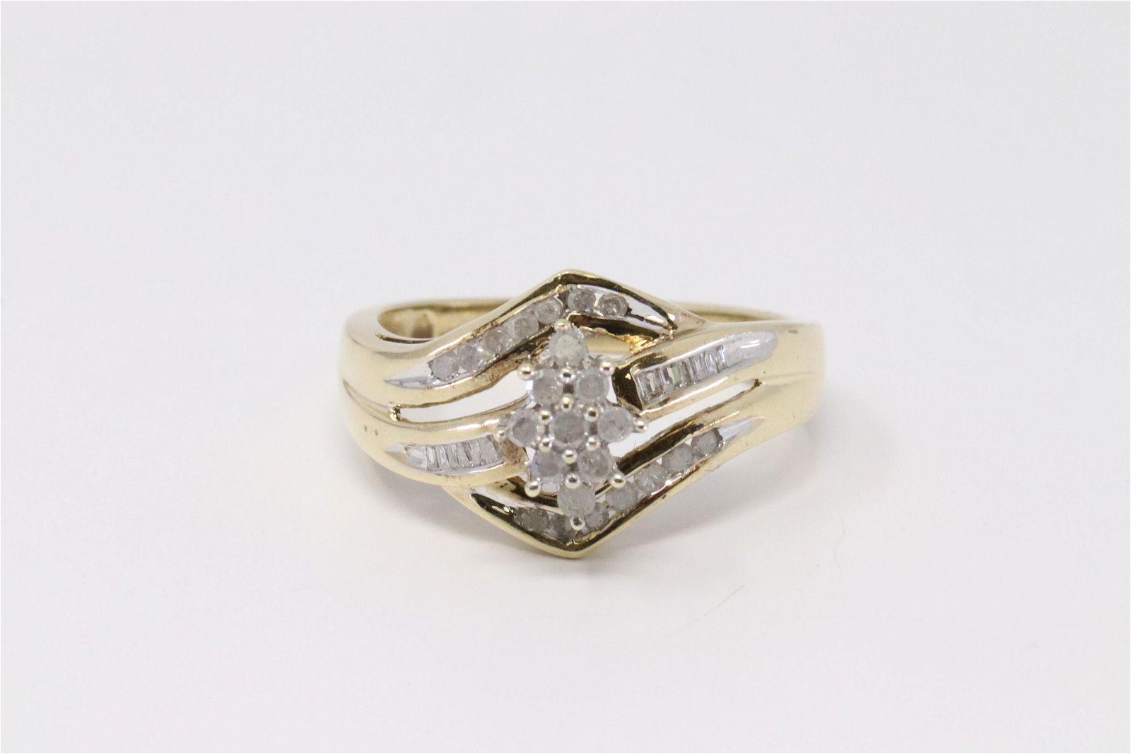 Ladies Diamond Ring.