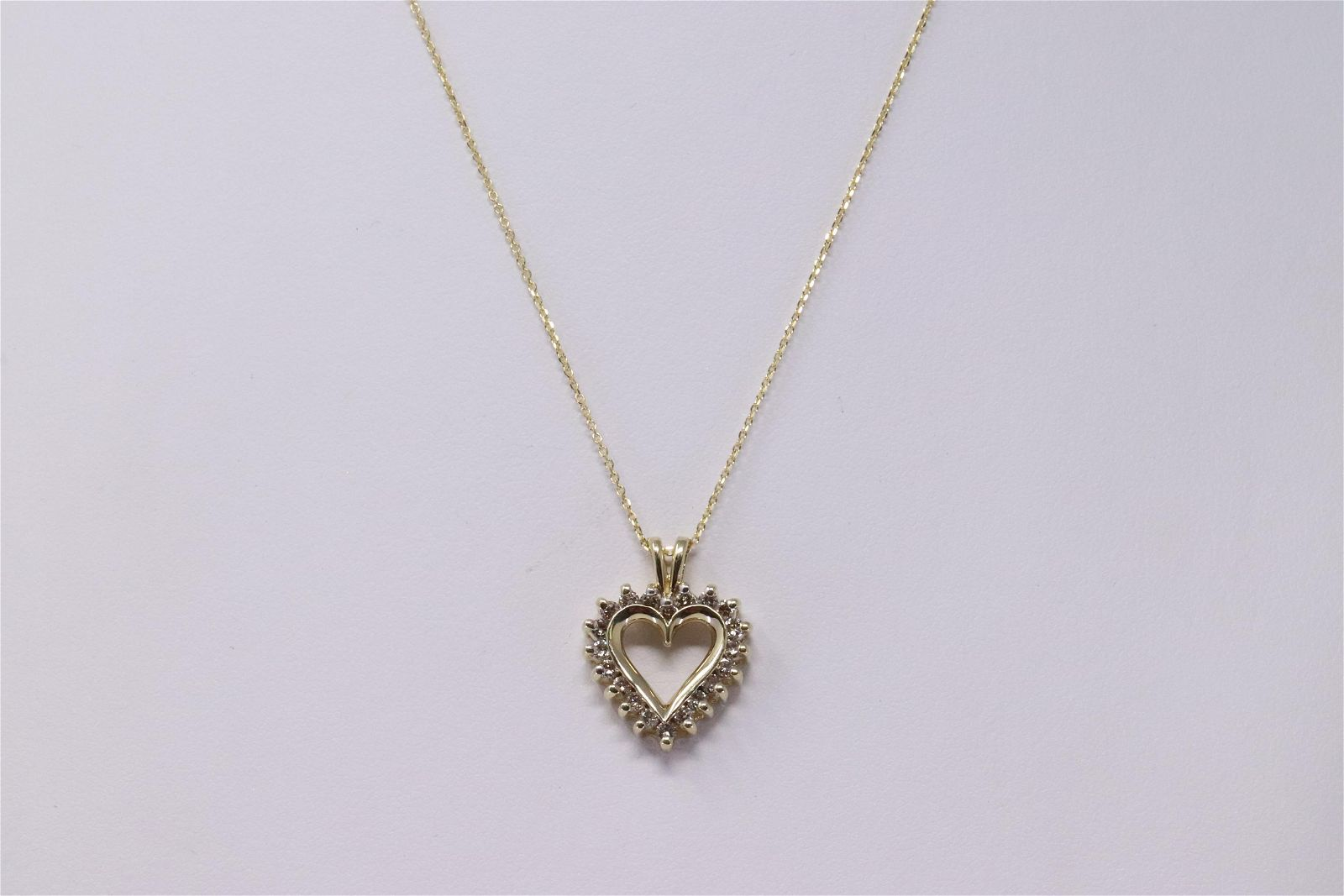 KT Diamond Heart Pendant/14KT Necklace.