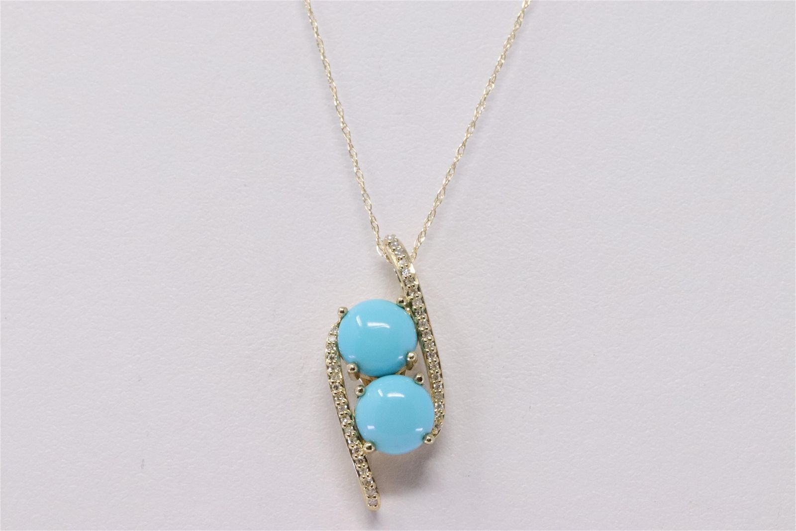 14Kt Yellow Gold Turquoise / Diamond Pendant &