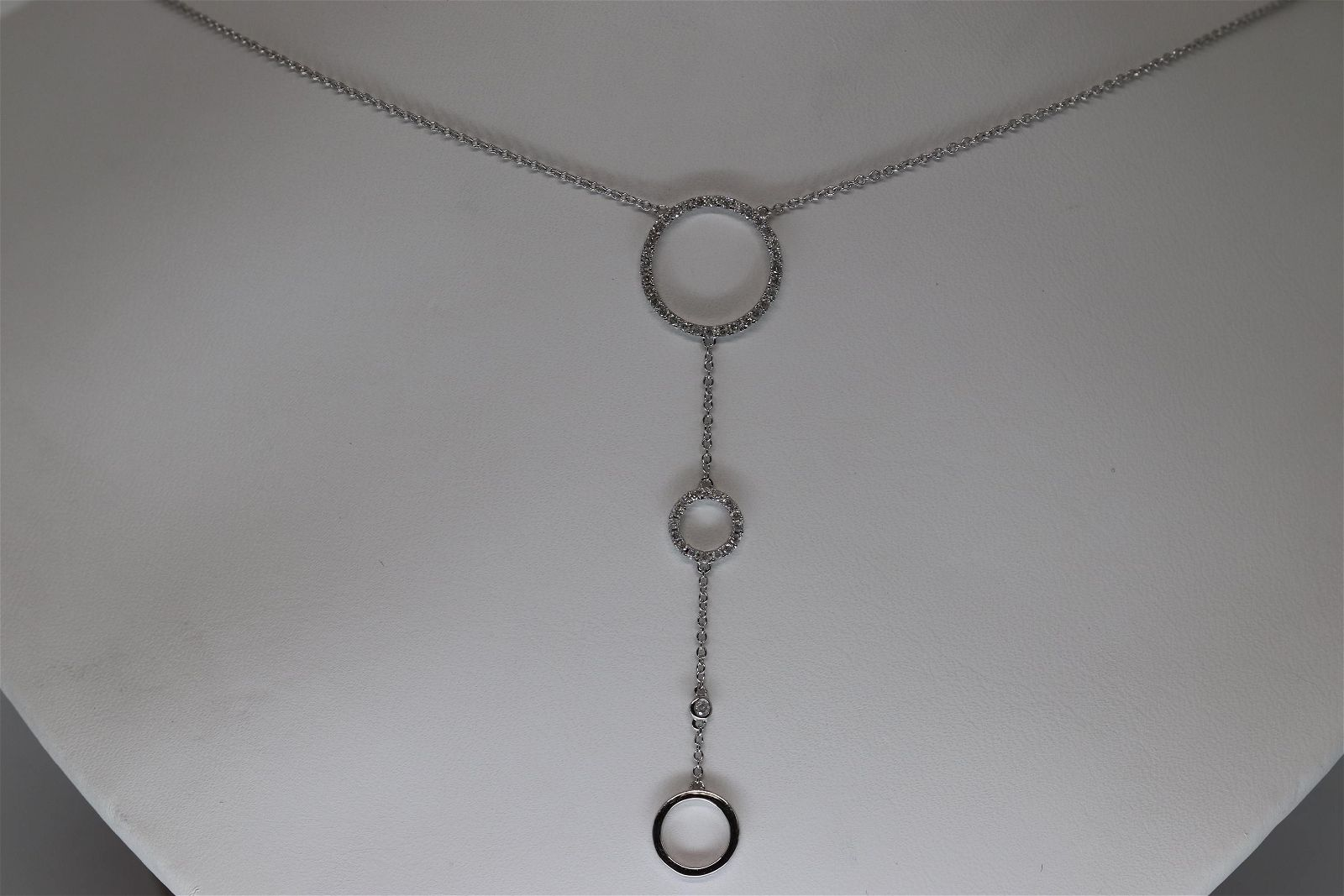 14kt Ladies Lariat Diamond Necklace