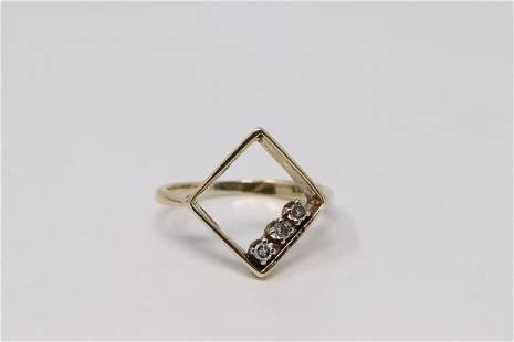 14Kt Yellow Gold Diamond Ring.