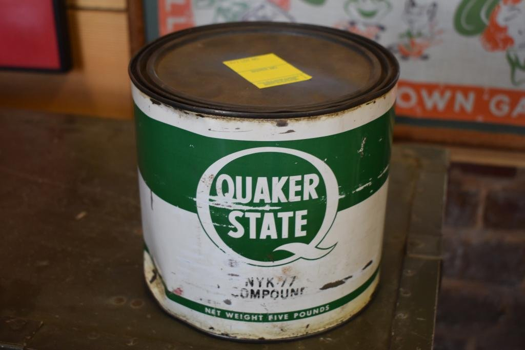 """Quaker State 5 lb Grease Can Measures approximately 6"""""""