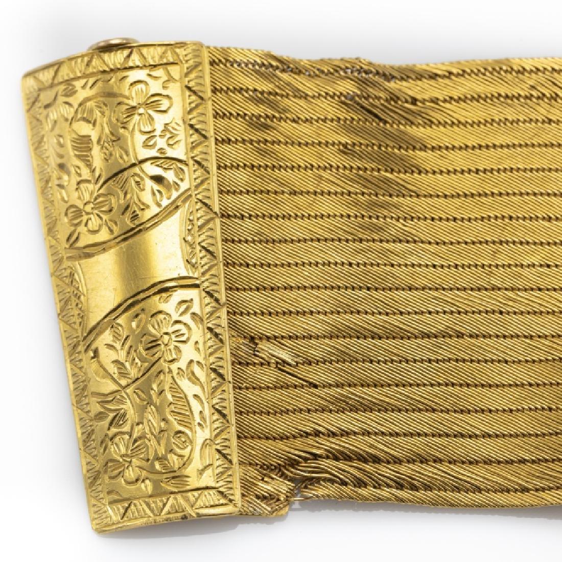 A 22k yellow gold bracelet - 3