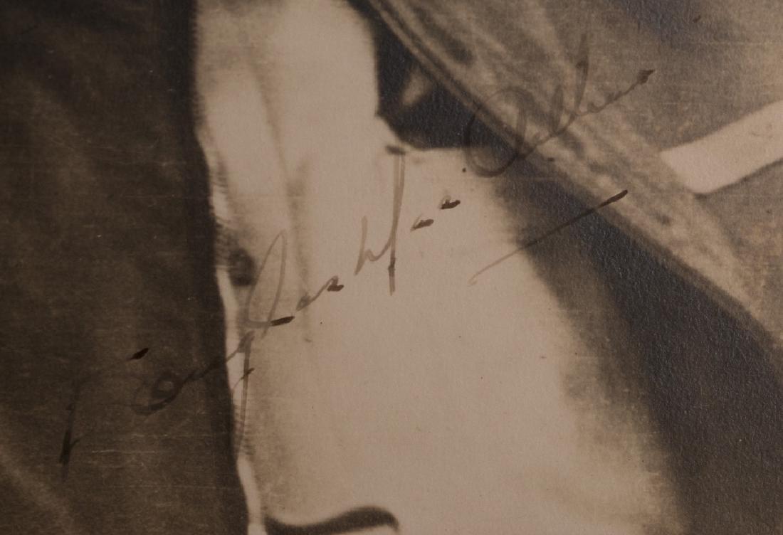 A Douglas MacArthur autograph - 3