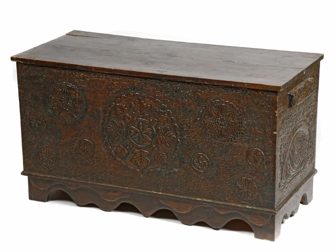 Northern American carved trunk