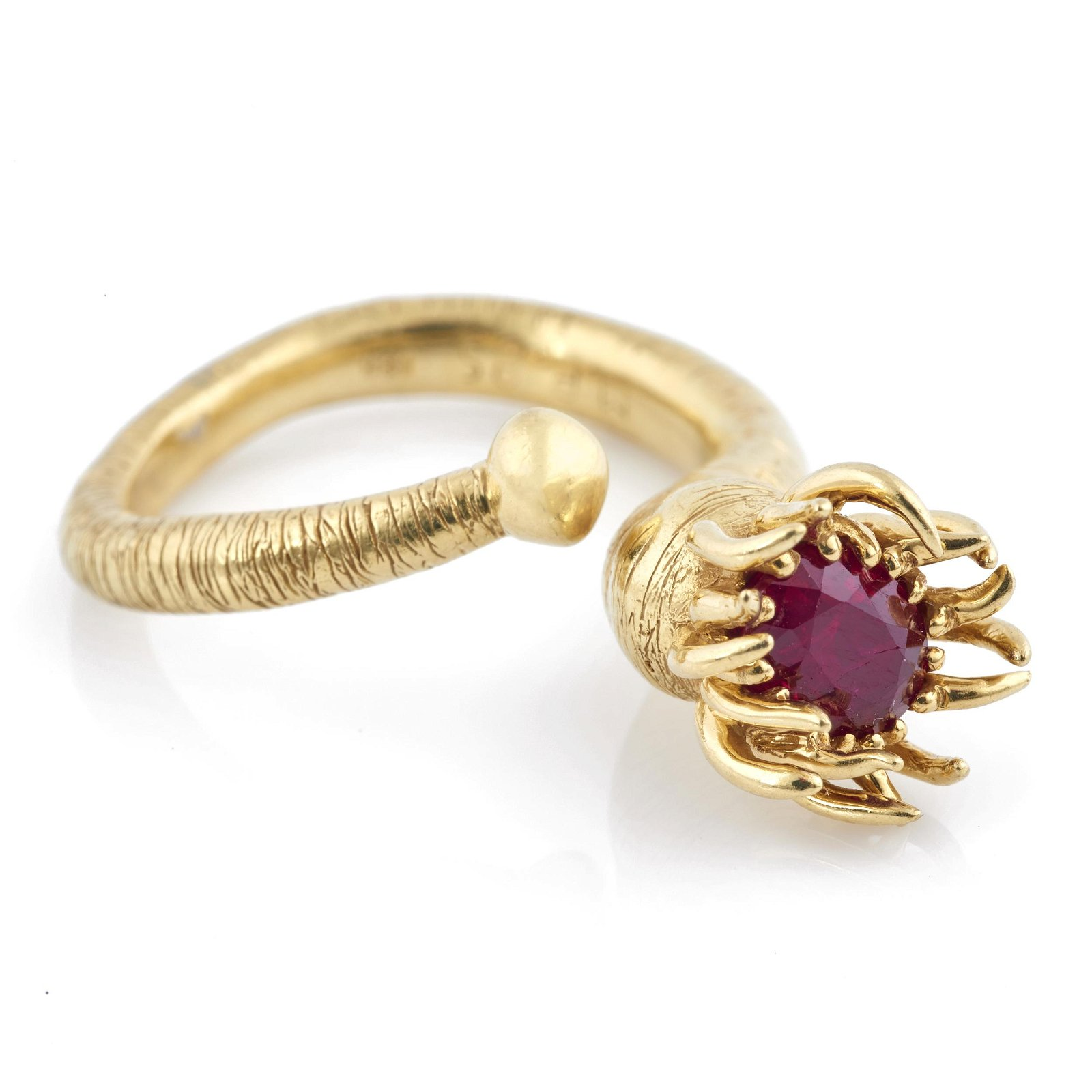 A ruby, 18k yellow gold sea anemone ring