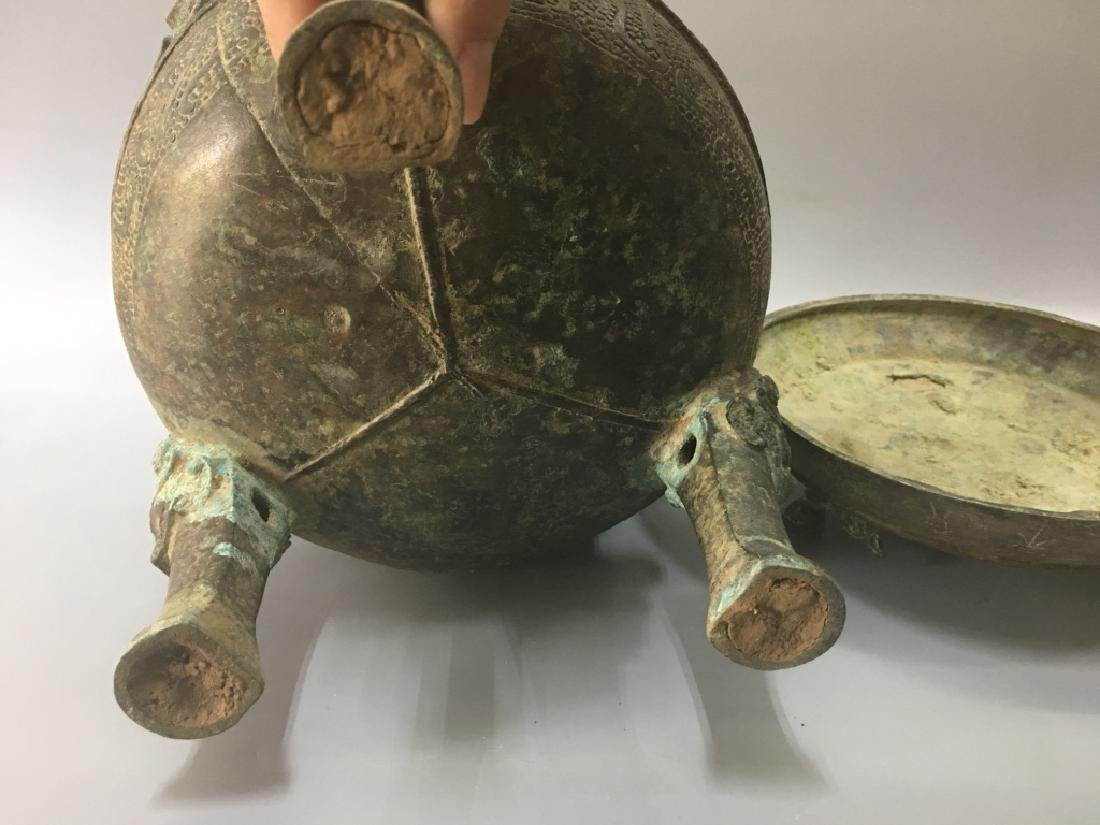 AN ARCHAIC BRONZE CENSER AND COVER - 6