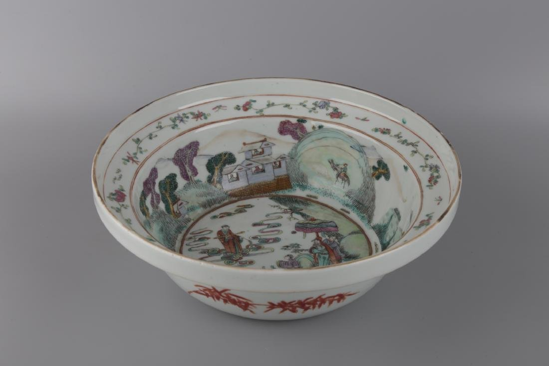 A FAMILLIE ROSE PLATE - 2