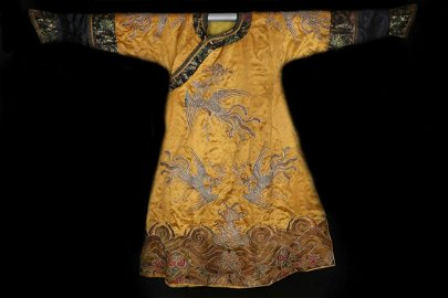 CHINESE EMBROIDERED ROBE