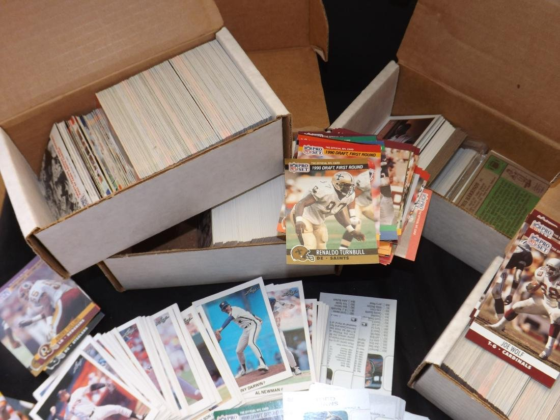 LARGE LOT OF VARIOUS SPORTS TRADING CARDS - 6