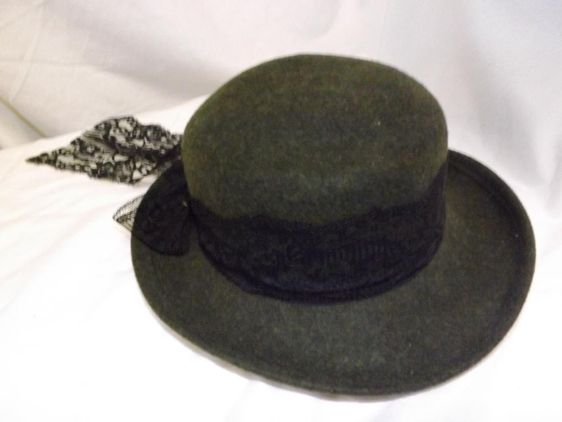 VINTAGE LADIES HATS - 8