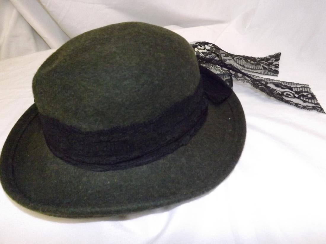 VINTAGE LADIES HATS - 9