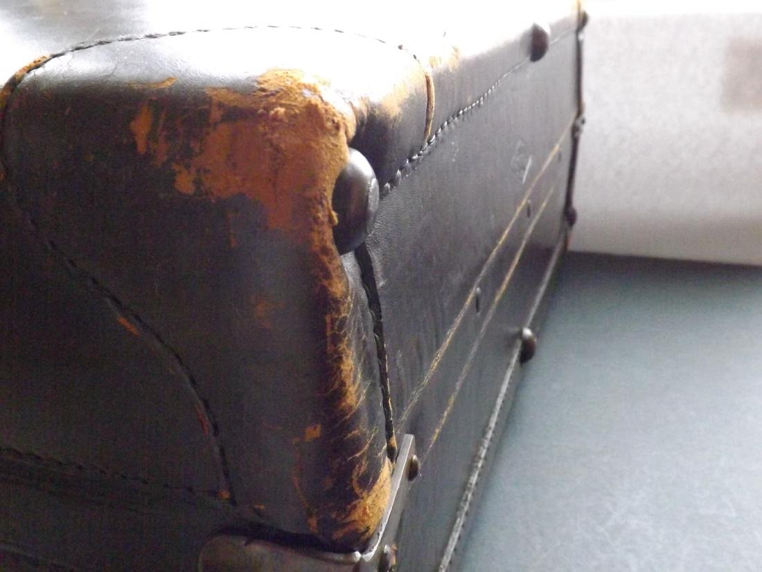 1920/30S LEATHER SUITCASE - 7
