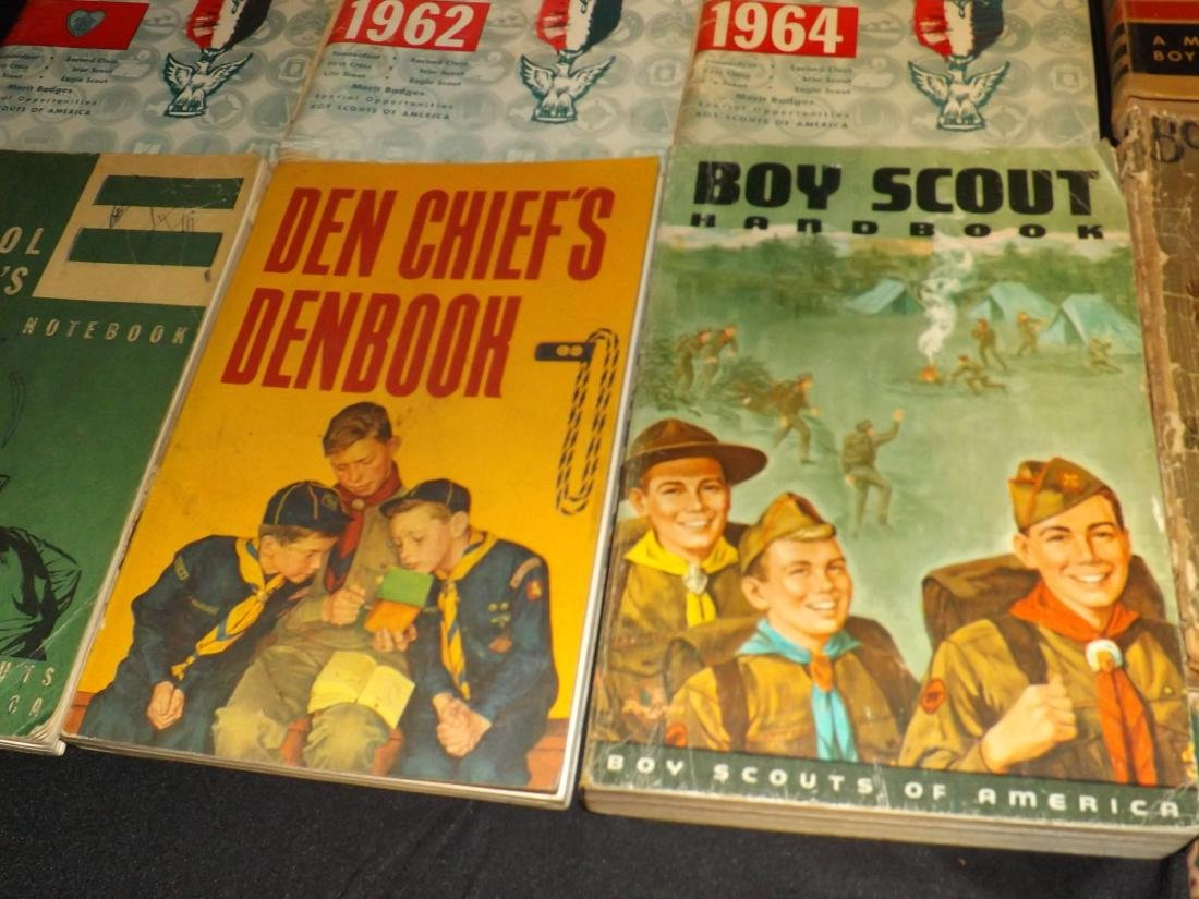 12 VINTAGE BOY SCOUT HANDBOOKS - 5