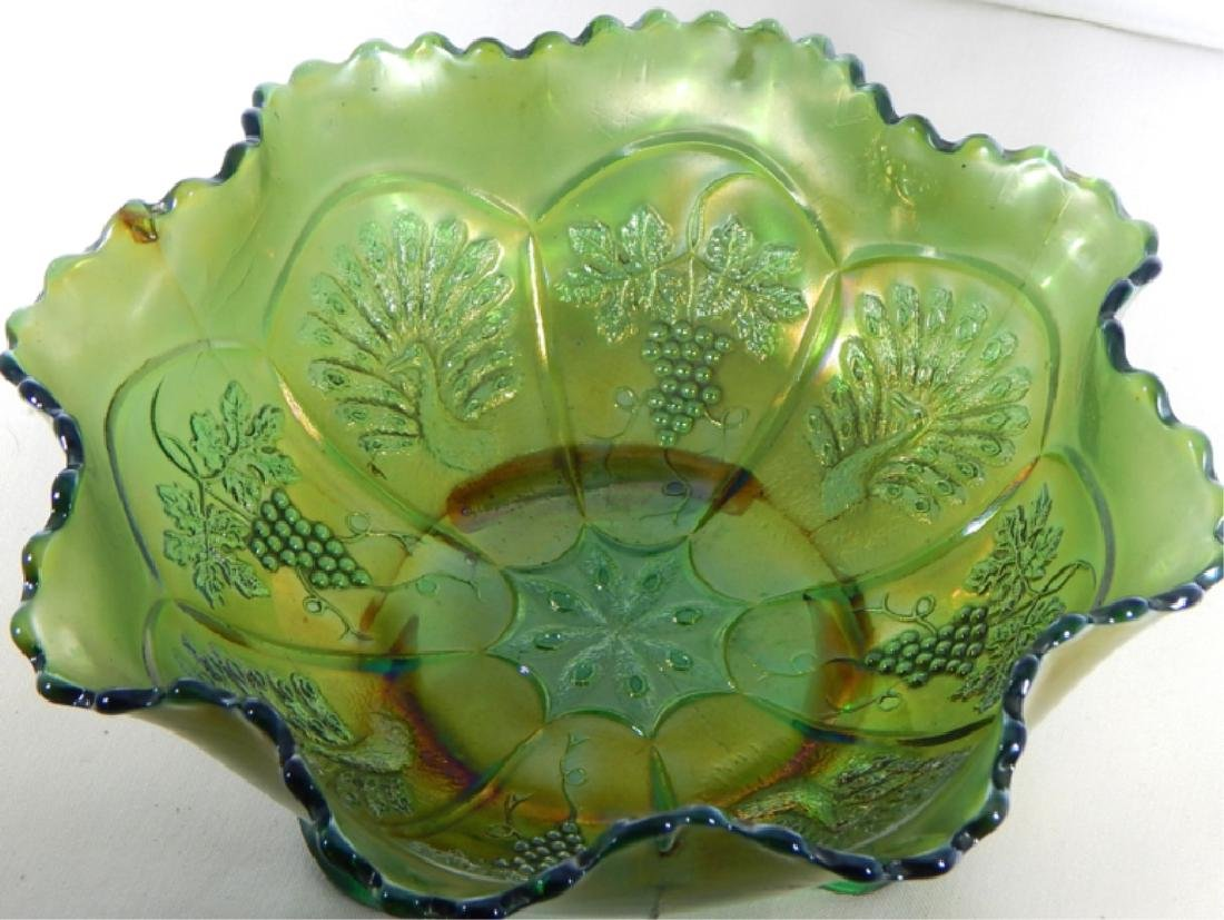 Vintage Peacock & Grapes Carnival Glass Footed Bow - 2