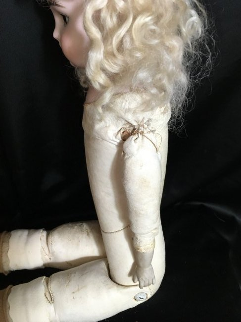 "Antique Bisque Shoulder Head  A M  ~ DARLING ~ 22"" - 6"