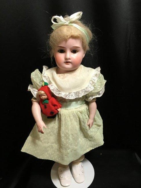 """14"""" AM Mabel Bisque Shoulder Head"""