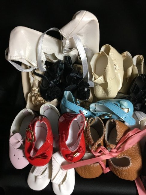 Lot of 30 Vintage Doll Shoes Many Are New - 4
