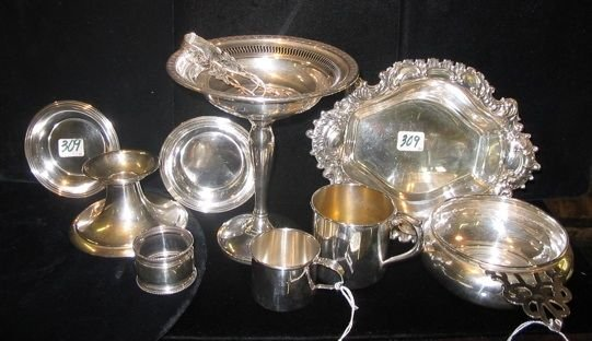 0309: A COLLECTORS GROUP OF TEN STERLING SILVER ITEMS