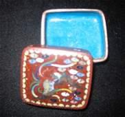 0656 A JAPANESE GOLDSTONE CLOISONNE PILL BOX