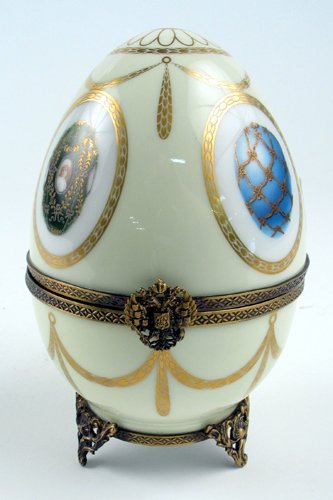 """615: A LIMOGES FRENCH """"FABERGE"""" PORCELAIN EGG-SHAPED  M"""