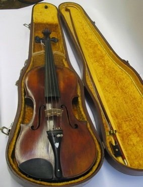 381: A ROSEWOOD VIOLIN AND BOW, complete with a  fitted