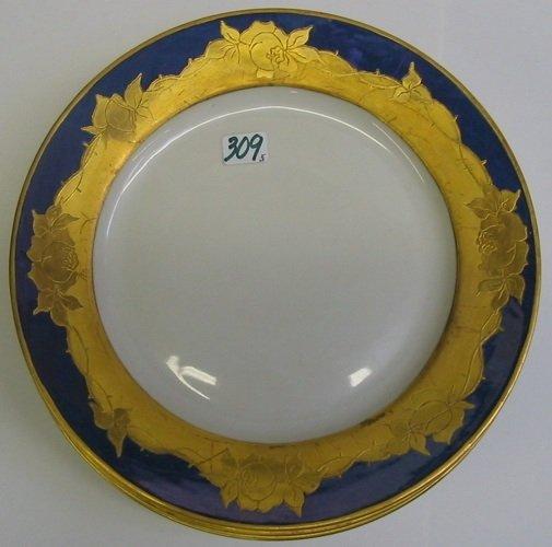 309: A SET OF FIVE CZECH PORCELAIN SERVICE PLATES.  Eac