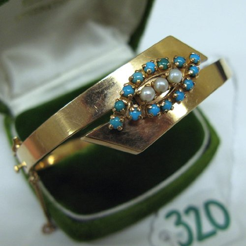 320: TURQUOISE, PEARL AND FOURTEEN KARAT GOLD BANGLE. T