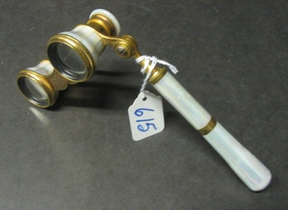 615: A FRENCH PAIR OF OPERA GLASSES, mother of pearl  w