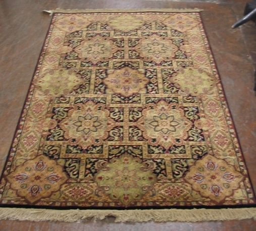 616: HAND KNOTTED ORIENTAL AREA RUG, Indo-Persian,  4'1