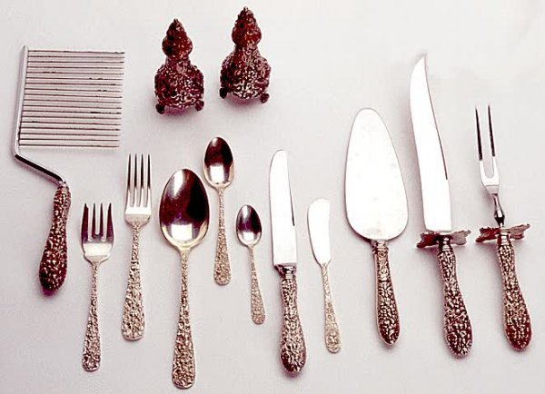 835: EIGHTY-EIGHT PIECE SET OF STERLING SILVER FLATWARE