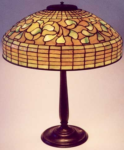 0866A: TIFFANY LEADED GLASS TABLE LAMP, stained and lea