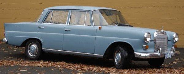 714: 1965 MERCEDES-BENZ 190, 4-door sedan, 4 cylinder g