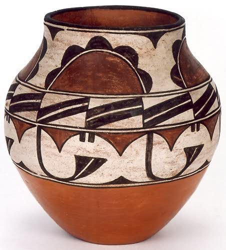 7: A ZUNI INDIAN POT, traditional design in white and d