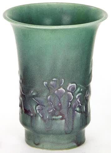 7: A ROOKWOOD POTTERY VASE, shape no. 6541 with indente