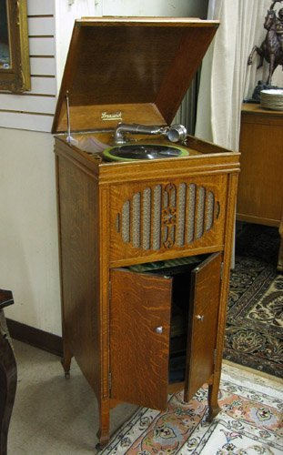 16: BRUNSWICK FLOOR MODEL PHONOGRAPH WITH RECORD COLLEC