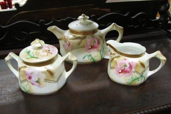11: A THREE PIECE R. S. PRUSSIA/GERMANY LUSTRE TEA SET,