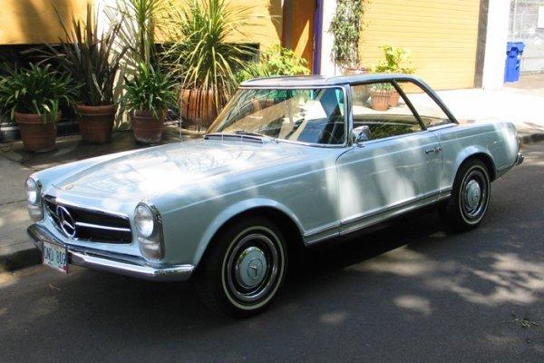803: 1966 MERCEDES BENZ 230 SL AUTOMOBILE, 6 cylinder,