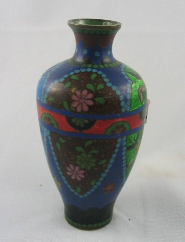 305: A JAPANESE CLOISONNE ENAMEL VASE, of jar-shape,  h